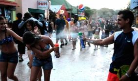 Carnaval de La Pedrera: radiante, multitudinário e colorido