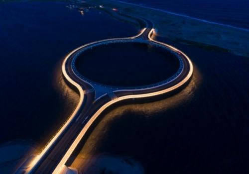 Hacer un circuito turístico en torno al maravilloso puente Garzón
