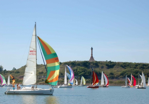 Hacer una actividad náutica sobre los ríos Uruguay y Negro