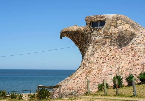 Visitar el águila de Atlántida y atractivos cercanos
