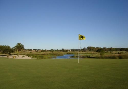 San Isidro Golf, un campo de nueve hoyos en Mercedes